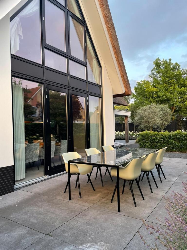 Happy Customer Verde Isabella Recht eettafel buiten 1